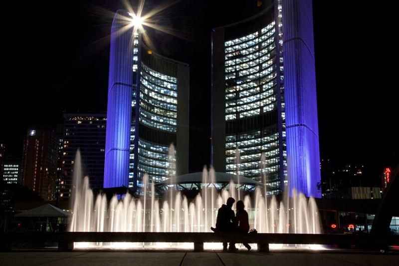 Toronto City Hall by Julian Mendl