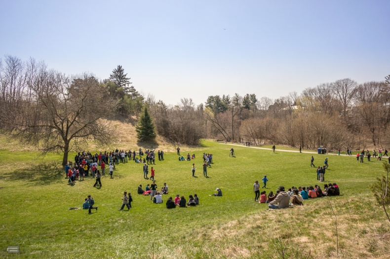 Crowds of people in Milliken Park