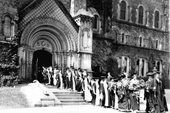 Women-graduates-University-of-Toronto-circa-1915
