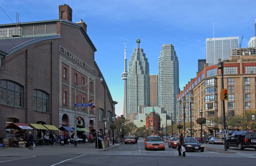 Toronto: Front Street by The City of Toronto