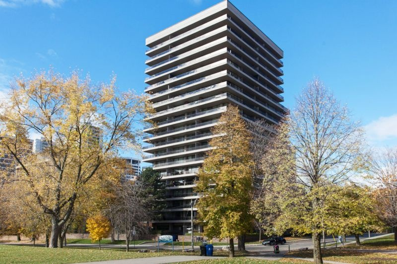 20 Avoca Avenue #906 - Central Toronto - Moore Park