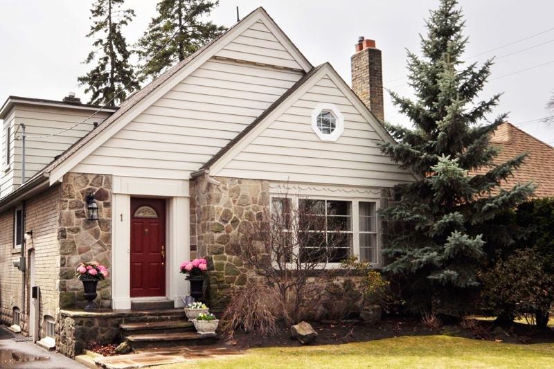 1 Edgemore Drive - West Toronto - Sunnylea Etobicoke
