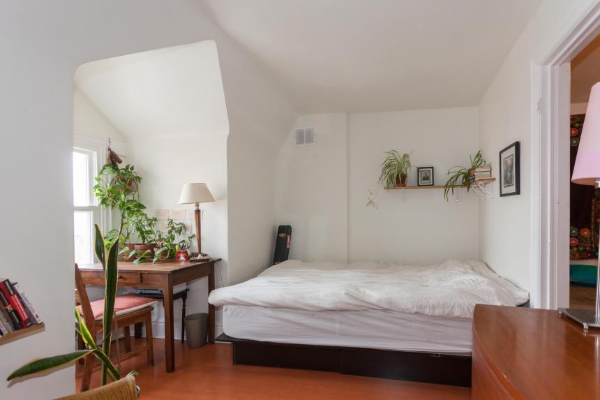 30 bedroom