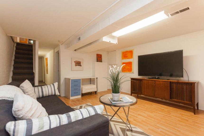 basement-living-room3