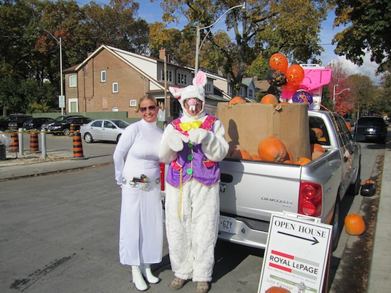 JKT Pumpkin Patch Bloor West Village 2011 56