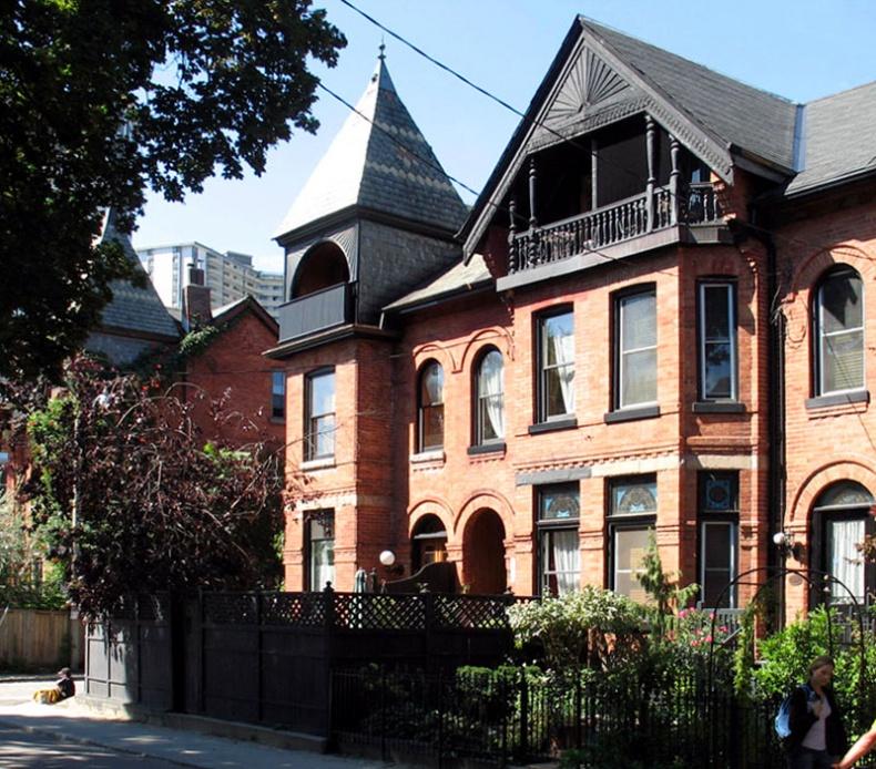 Toronto House by Ocad123