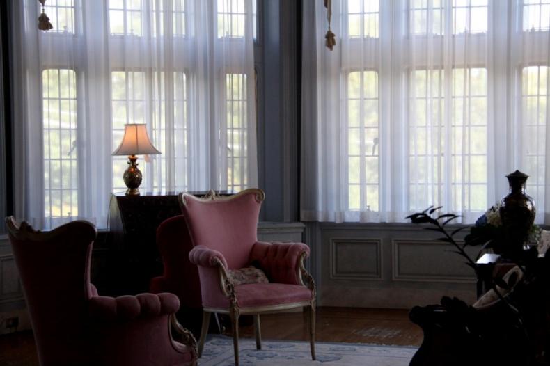 Casa Loma interior furnished room