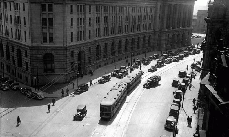Toronto traffic 1930 Front street