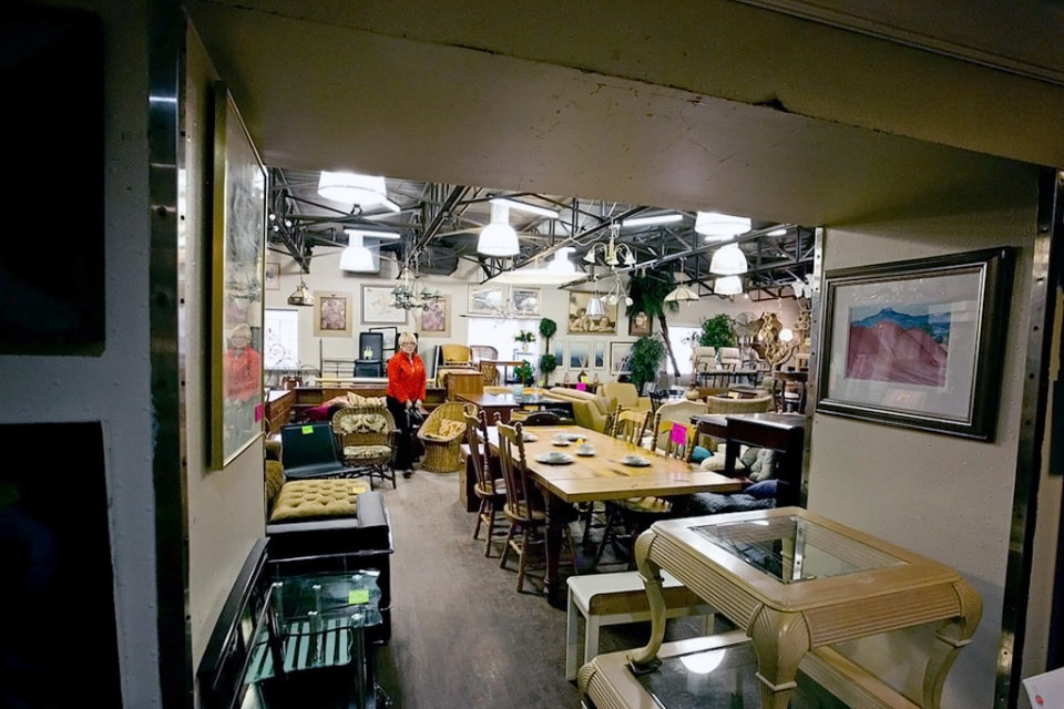 Second hand furniture stores in toronto frontier sales - Buy second hand furniture ...