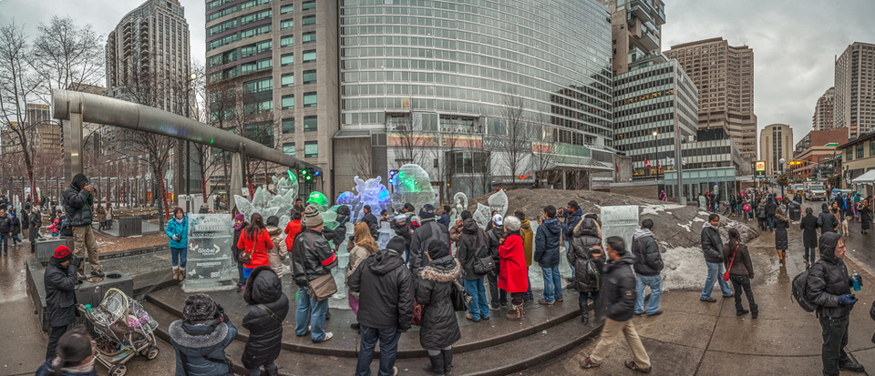 Crowd at the Toronto Icefest panorama