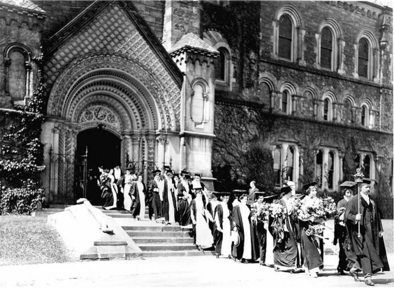 Women graduates University of Toronto circa 1915