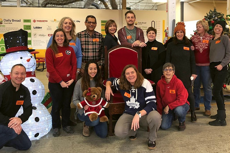 Volunteering at the Daily Bread Food Bank – Christmas 2018