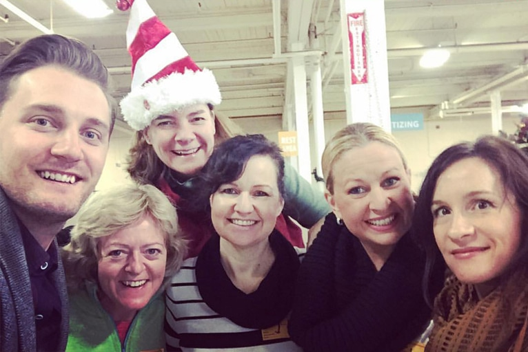 Volunteering at the Daily Bread Food Bank – Christmas 2015