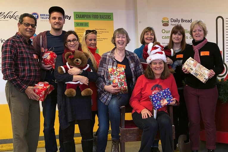 Volunteering at the Daily Bread Food Bank – Christmas 2017