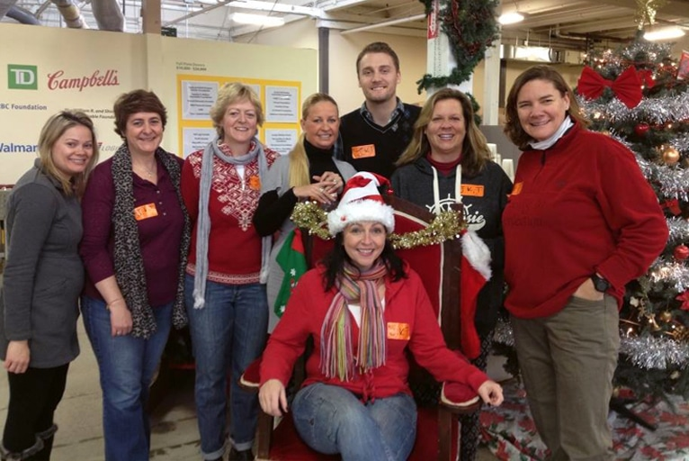 Volunteering at the Daily Bread Food Bank – Christmas 2014