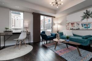 1 ruttan living room (1)