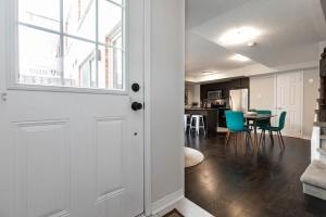 1 ruttan living room (3)