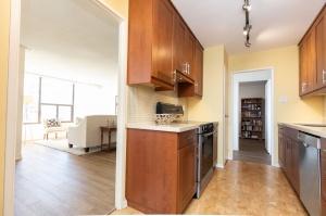 100 quebec avenue #1101 10 kitchen
