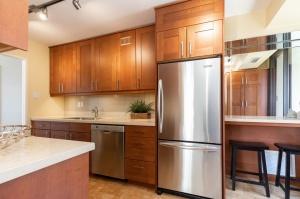 100 quebec avenue #1101 11 kitchen