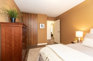 100 quebec avenue #1101 18 bedroom
