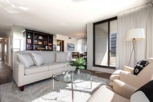 100 quebec avenue #1101 5 living room