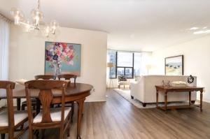 100 quebec avenue #1101 6 dining room