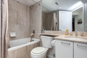 140 simcoe street bathroom