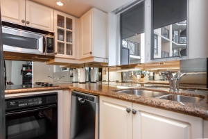 140 simcoe street kitchen 2