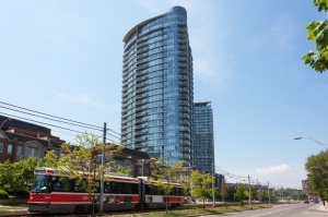 15 Windermere #911 - West Toronto - Swansea