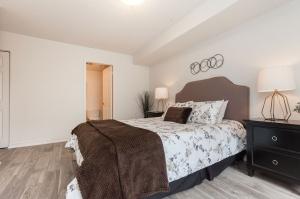 18 concorde place master bedroom 2