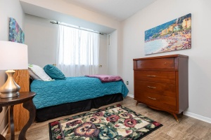 1900 sheppard avenue east bedroom 02