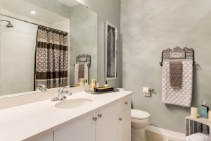 20 marina avenue #202 bathroom 02