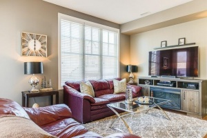 20 marina avenue #202 living room 02