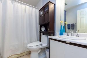 20southport12122bathroom