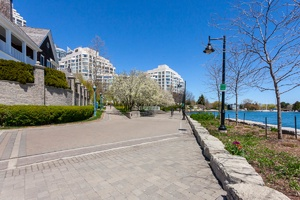 2267 lakeshore boulevard west #513 views (5)