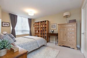 mainbedroom