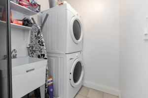 25 fontenay court #1504 laundry room 02