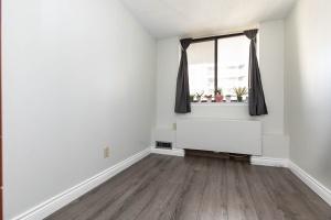 250 jarvis street #905 guest bedroom