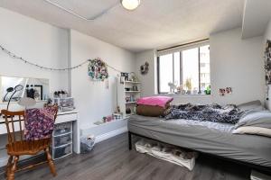 250_jarvis_street_905_bedroombed
