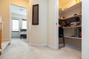 30 mendelssohn street unit #16 24 linen closet