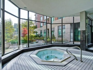 319 merton building amenities courtyard view