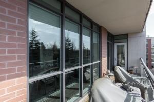 319 merton st 414 balcony 2
