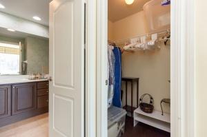 319 merton st 414 closet master bedroom