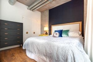 32 stewart bedroom 2