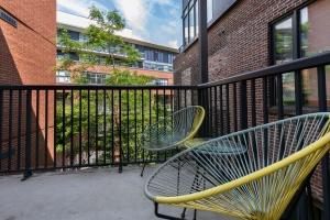 363 sorauren avenue balcony 01
