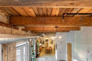 363 sorauren avenue ceiling 01