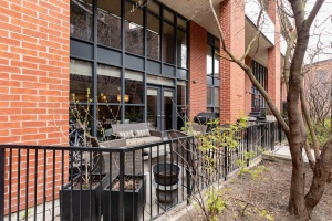 369 sorauren avenue #114 patio 03