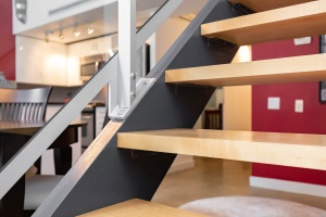 369 sorauren avenue #114 stairs 02