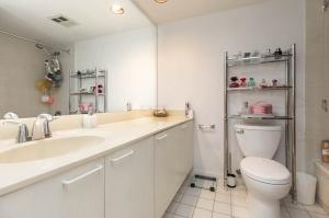 50 eglinton avenue west bathroom 1