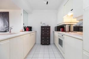 50 eglinton avenue west kitchen 2